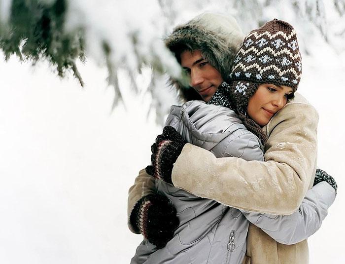 Зима, влюблённая пара, романтика