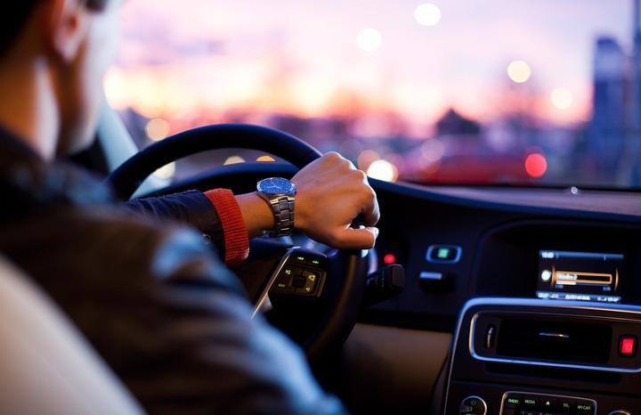 Водитель за рулём