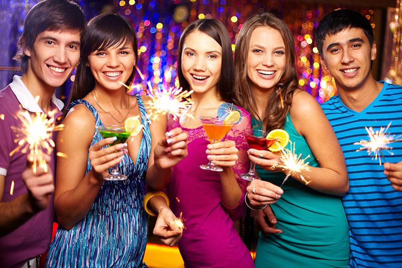 Новый год, шампанское, тосты